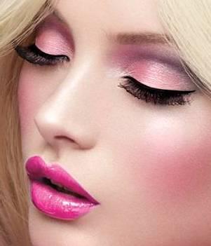 como aplicar sombra de ojos rosa