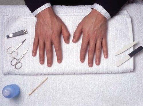 como hacer una manicura para hombres