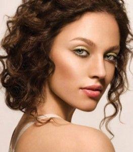 como cubrir defectos de la piel con maquillaje