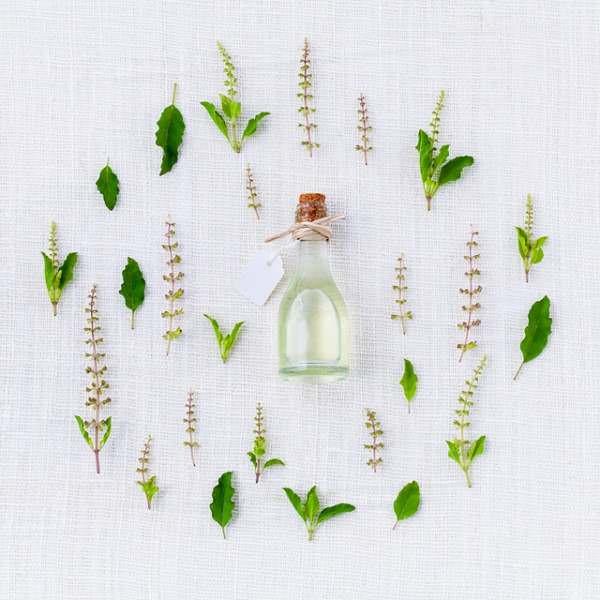 Prepare un rico perfume natural.